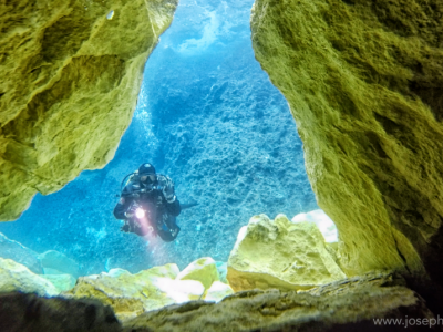First underwater footage of the collapsed Azure Window