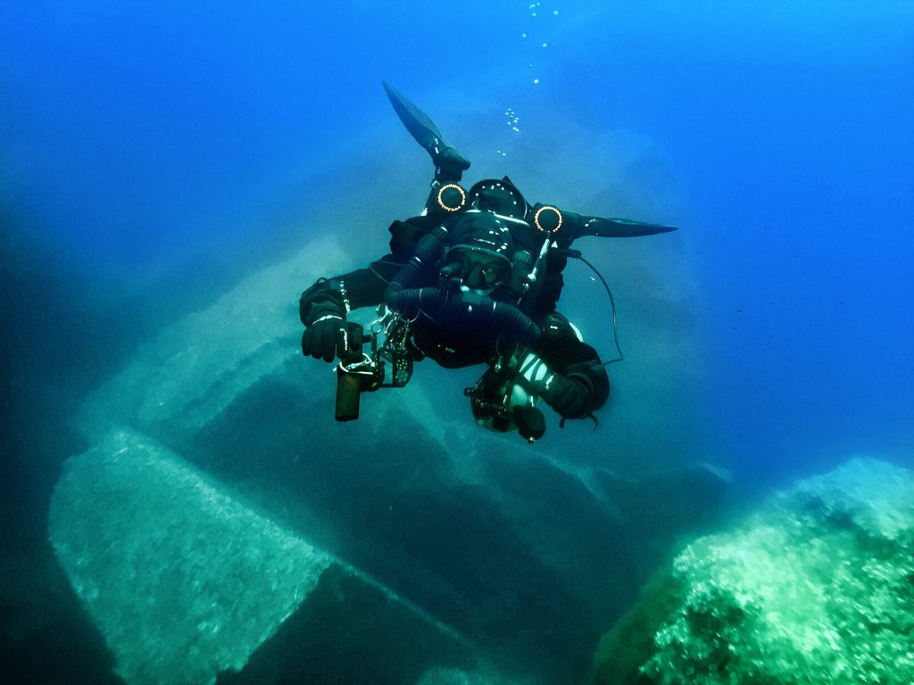 Joseph Caruana diving upon Azure Window remains