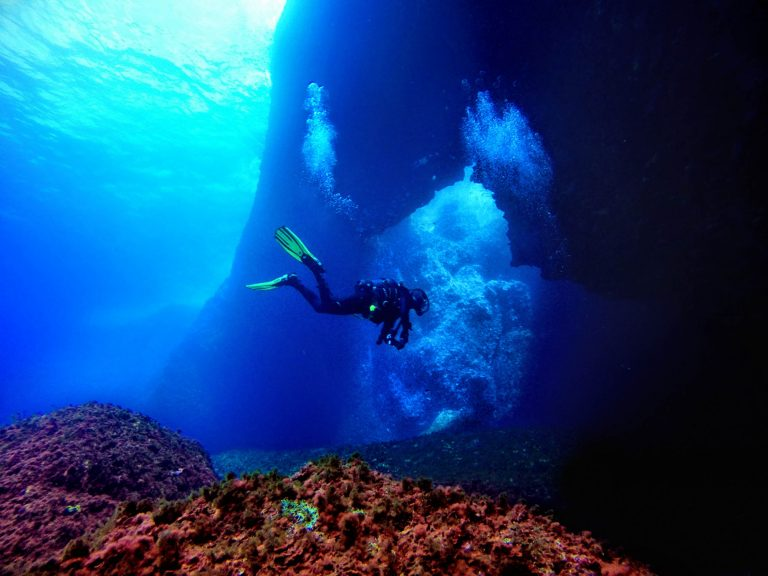 Diver returning to Blue Hole, Dwejra
